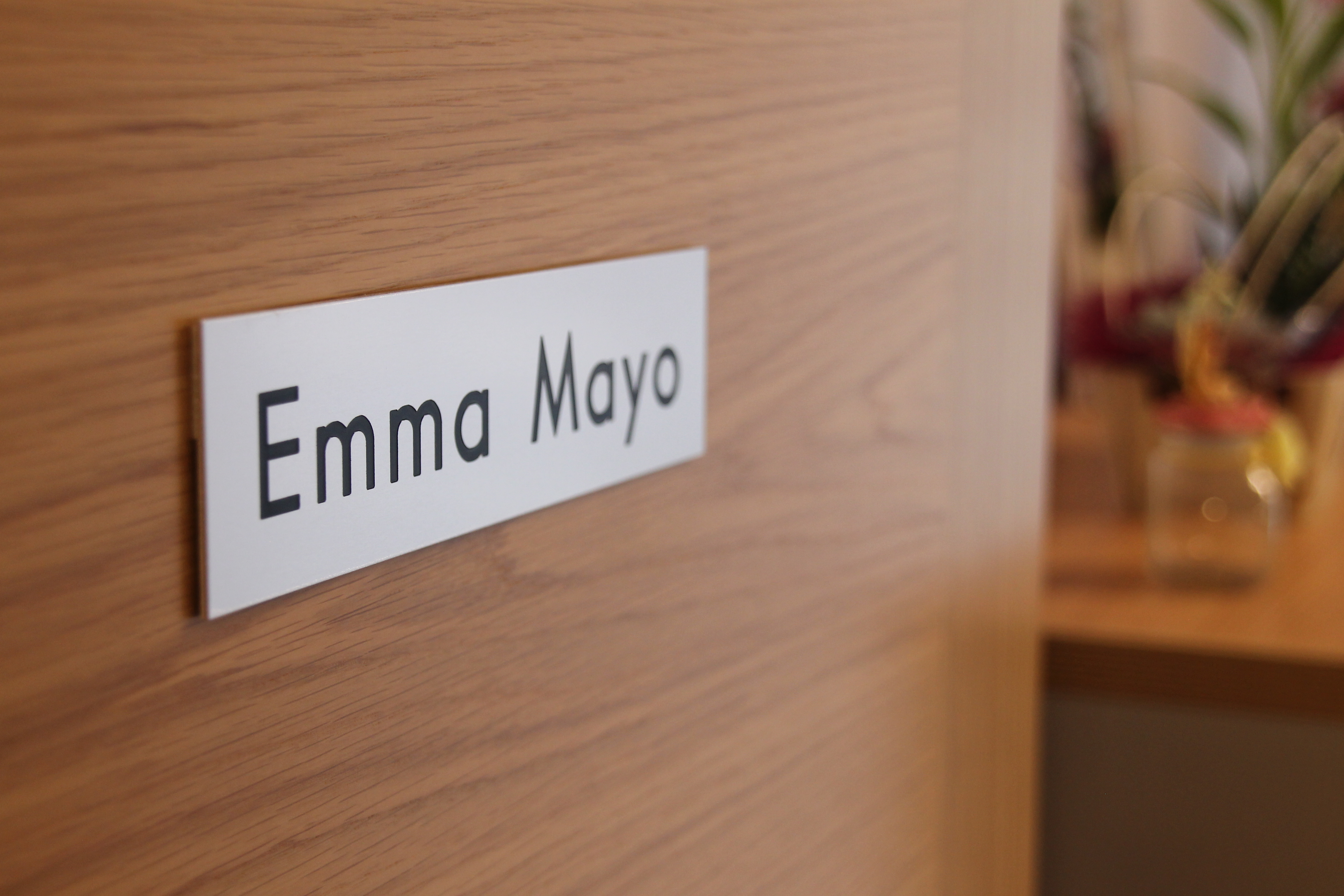 Placa Emma Mayo